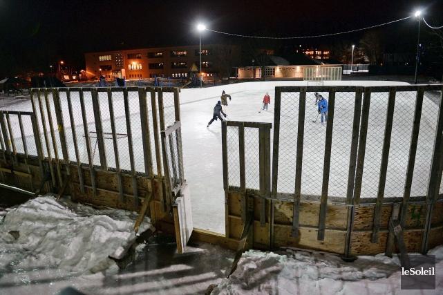 La plupart des patinoires de Québec sont fermées,... (Le Soleil, Erick Labbé)