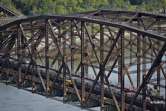 À partir de l'été prochain, le pont Pierre-Laporte... (Photothèque Le Soleil, Patrice Laroche)