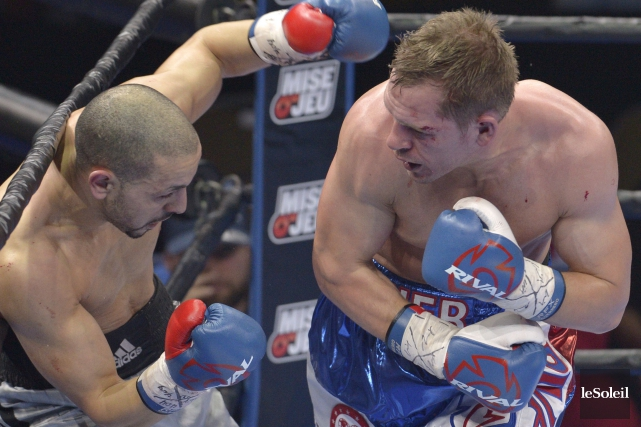 Kevin Bizier (à droite) deviendra le premier boxeur... (Photothèque Le Soleil, Yan Doublet)