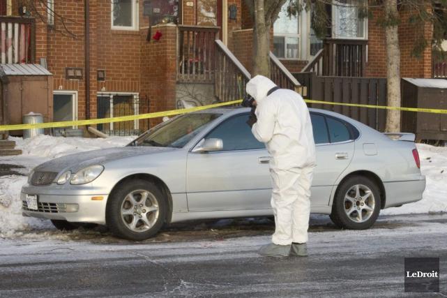 Les paramédics yont trouvé un homme de 28... (Martin Roy, LeDroit)