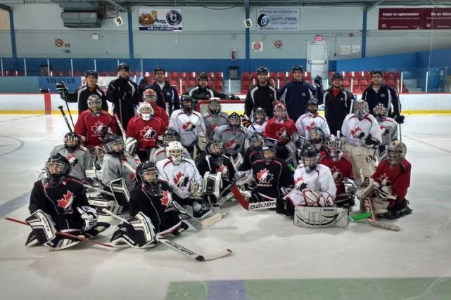 Vingt-trois hockeyeurs en herbe ont récemment eu droit à une initiation dans le...