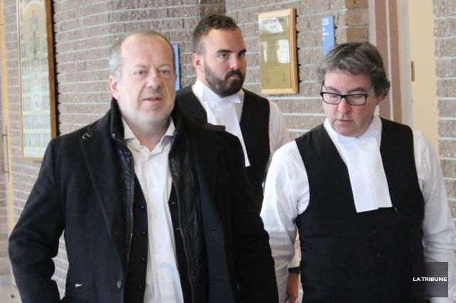 Les trois avocats de la défense Me Jean-Pierre... (La Tribune, René-Charles Quirion)