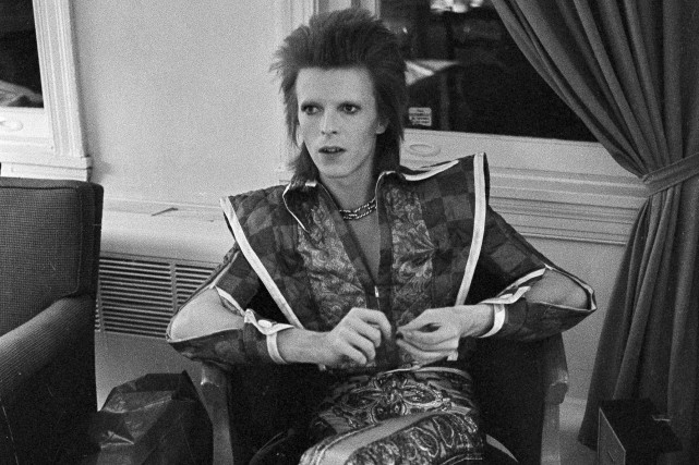David Bowie en 1972.Le chanteur fait son entrée... (Archives AP,Brian Horton)