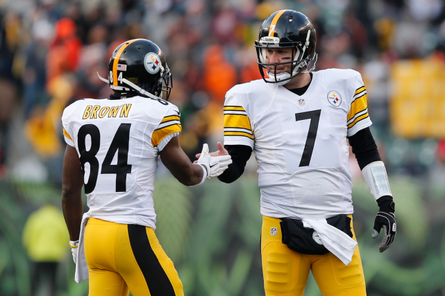 Antonio Brown et Ben Roethlisberger... (Photo Aaron Doster, archives USA Today)