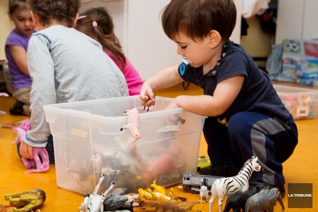 Après les écoles, ce sera bientôt au tour des Centres de la petite enfance... (Archives La Tribune, Jessica Garneau)