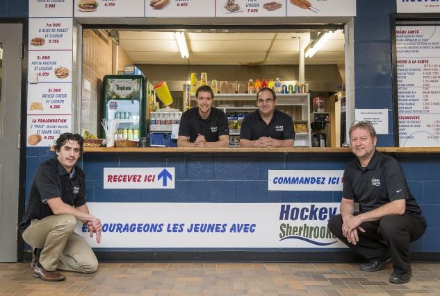 Le gérant du Café Hockey Sherbrooke Daniel Mercier,... (Spectre Média, Frédéric Côté)