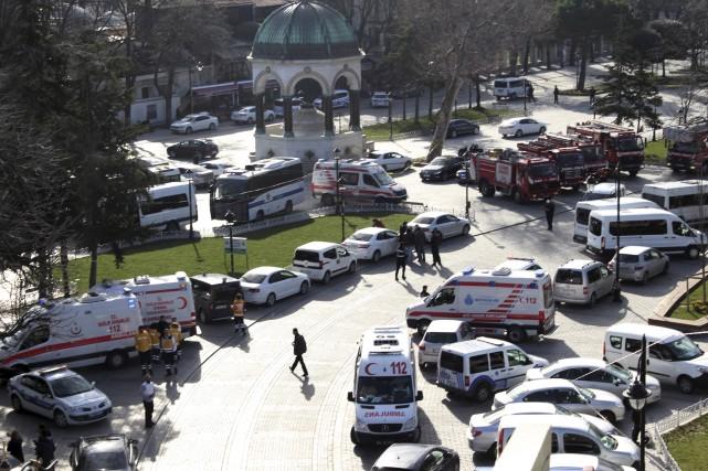 L'attentat terroriste a fait 10 morts et 15... (AP)