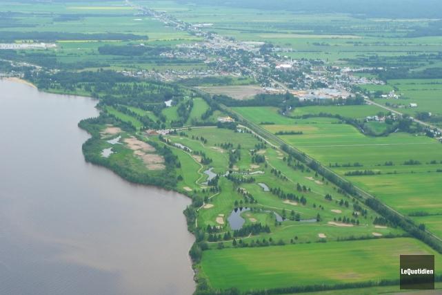 Le club de golf de Saint-Prime a reçu... (Archives Le Quotidien)