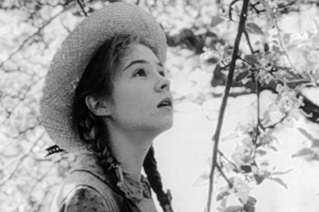Megan Follows dans le rôle d'Anne Shirley, en 1985.... (PHOTO FOURNIE PAR RADIO-CANADA)