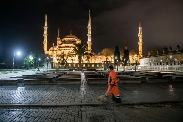 Pour l'ensemble de l'année 2015, la fréquentation touristique... (PHOTO AFP)
