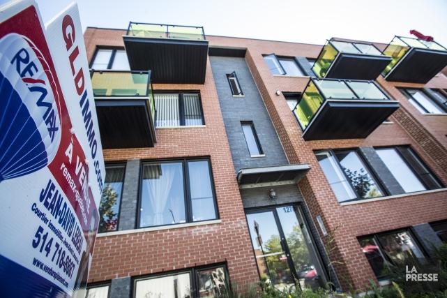 Le prix médian des maisons unifamiliales s'est élevé... (PHOTO ARCHIVES LA PRESSE)