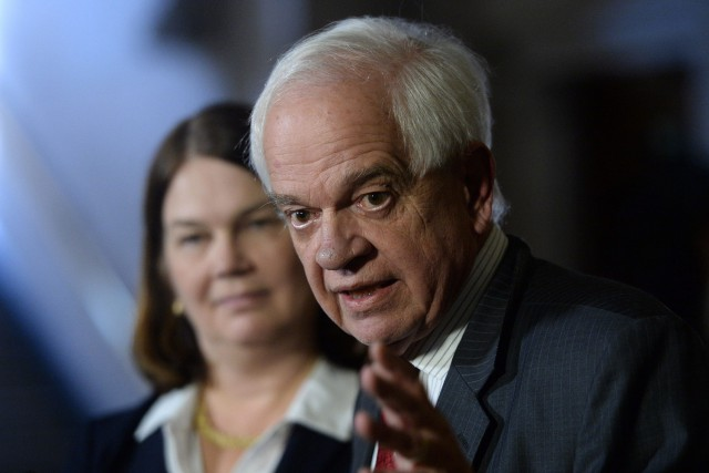 Le ministre fédéral de l'Immigration, John McCallum.... (Photo Sean Kilpatrick, La Presse Canadienne)