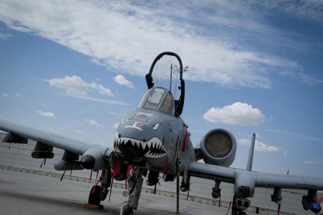 Un avion A-10 Warthog à l'aérodrome deKandahar, en... (ARCHIVES AFP)