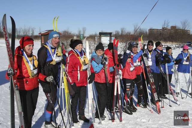 Une compétition amicale en ski mettant en vedette... (Patrick Woodbury, LeDroit)