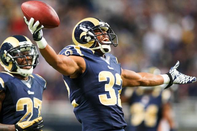 Les propriétaires de la NFL ont donné le... (Associated Press)
