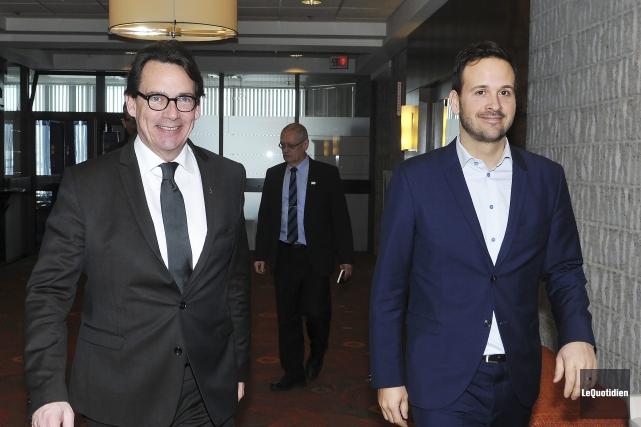 Pierre Karl Péladeau et le député Alexandre Cloutier... (Photo Le Quotidien, Jeannot Lévesque)