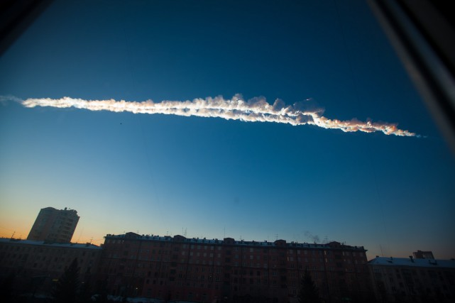 Une météorite dans le ciel de la Russie.... (PHOTO ASSOCIATED PRESS)