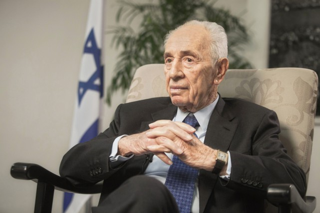 Shimon Peres, photographié à Jérusalem, le 2 novembre... (ARCHIVES AP)
