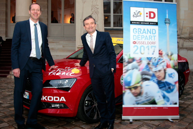 Le directeur du Tour de France, Christian Prudhomme,... (Photo Jacques Brinon, AP)