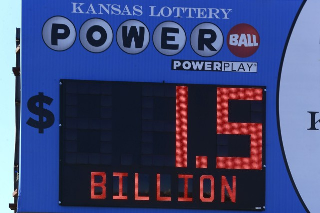 Une publicité pour le Powerball.... (Associated Press, Orlin Wagner)