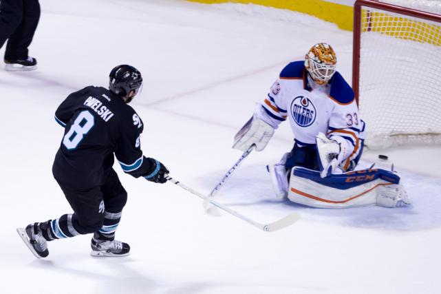 L'attaquant des Sharks Joe Pavelski a déjoué le... (Photo Kelley L Cox, USA Today)