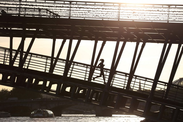Runtastic, Runkeeper, Nike+ Running, Endomondo, Strava ou encore... (PHOTO LUDOVIC MARIN, AFP)