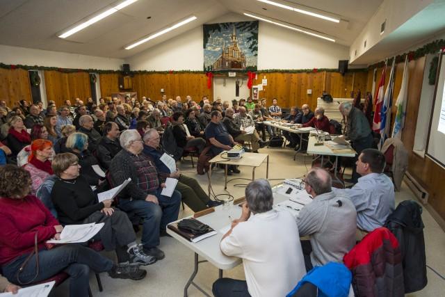 Une réunion du conseil municipal de Racine a... (Spectre Média, Frédéric Côté)