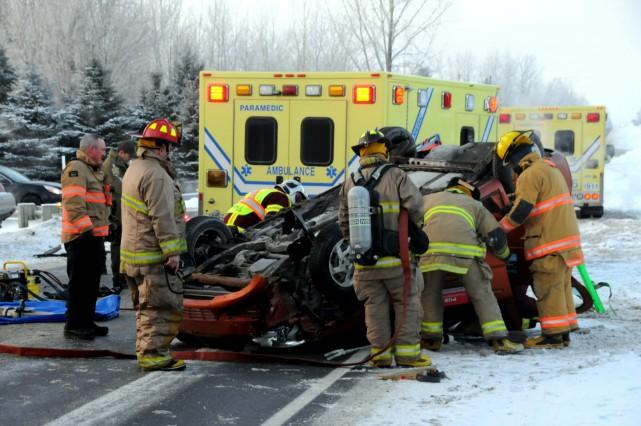 La circulation matinale a été perturbée par une violente collision, vendredi... (Photo collaboration spéciale Éric Beaupré)