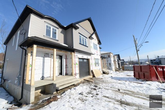 Les prix du marché résidentiel de la région... (Archives, La Tribune)