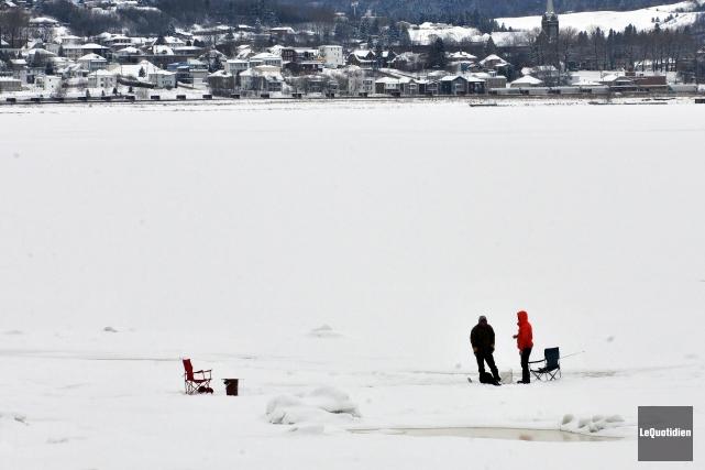 Bonne nouvelle pour les amateurs de pêche blanche : le froid des derniers jours... (Archives Le Quotidien)