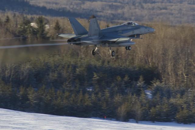Ce CF-18 Hornet de l'escadron 425 est l'un... (Photo courtoisie)