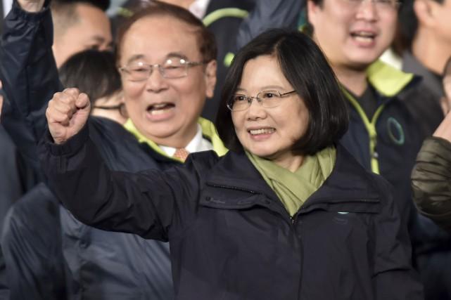 La chef du Parti démocratique progressiste, Tsai Ing-wen,... (AFP, Philippe Lopez)