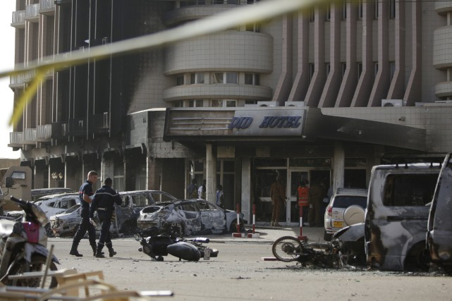 Les djihadistes ont attaqué vendredi soir le restaurant... (Photo Sunday Alamba, AP)