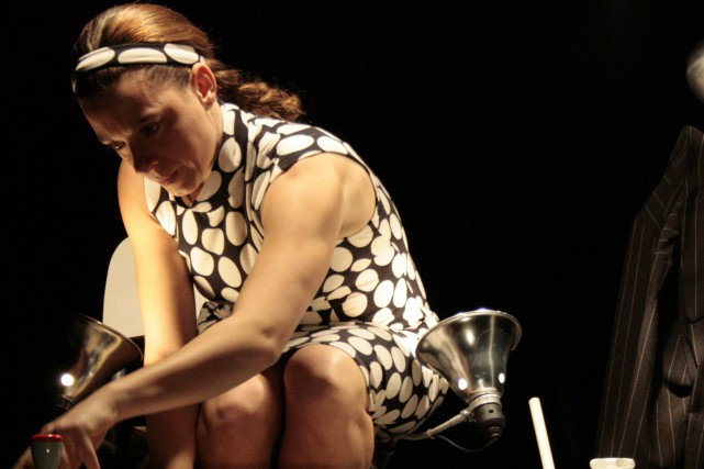 Vicky Côté est l'unique interprète de la pièce... (Photo courtoisie)