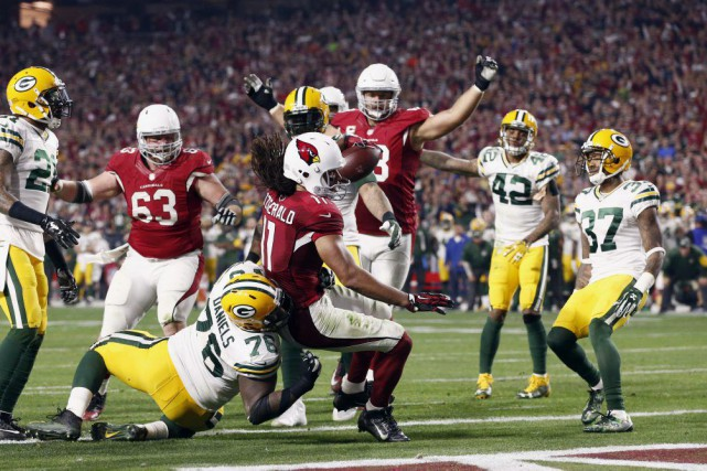 Le touché de Larry Fitzgerald a permis aux... (Photo Rob Schumacher, AP)
