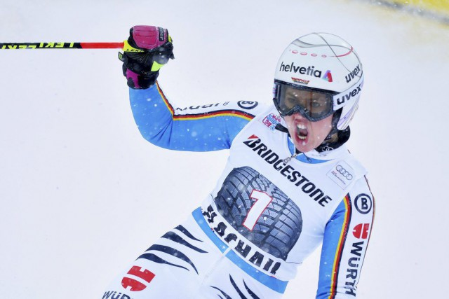 Viktoria Rebensburg... (PHOTO BARBARA GINDL, AFP/APA)
