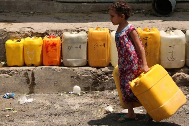 Les quelque 600 000 habitants de Taëz sont... (PHOTO AHMAD AL-BASHA, ARCHIVES AFP)