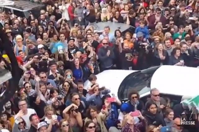 Des centaines de fans ont marché samedi dans... (IMAGE TIRÉE DE FACEBOOK)