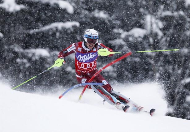 Le Norvégien Henrik Kristoffersen a remporté, dimanche, son... (AP, Marco Trovati)