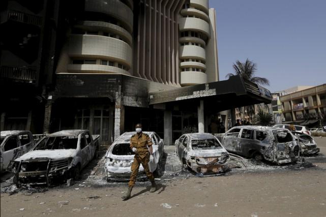 Ils ne se trouvaient pas dans la capitale, Ouagadougou, lors des attaques... (Associated Press)