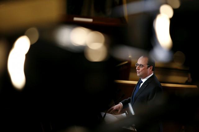 Le président Hollande lors de ses voeux aux... (PHOTO YOAN VALAT, AFP)