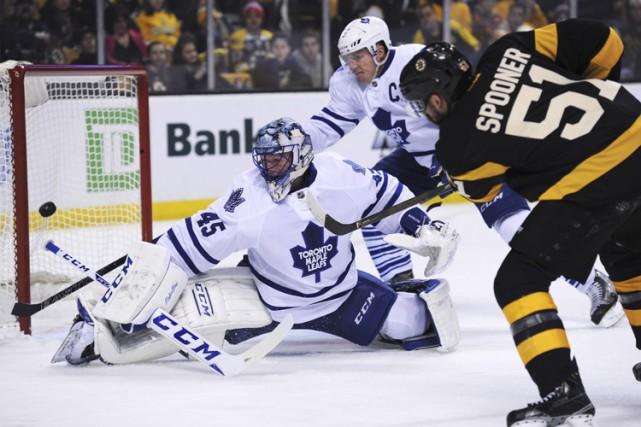 James Reimer sera le gardien partant des Maple Leafs à Philadelphie, mardi,... (PHOTO REUTERS)