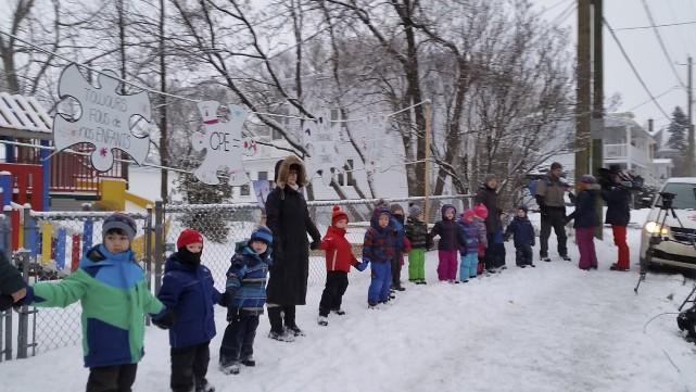 Une quarantaine de parents, enfants et éducateurs ont... (Photo fournie)