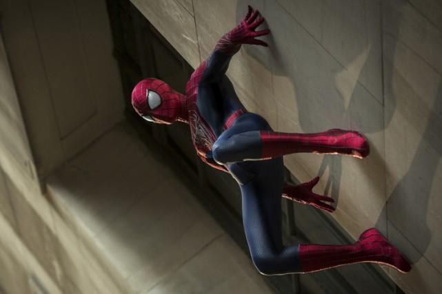 Andrew Garfield incarne Spider-Man dans une scène de... (SONY)