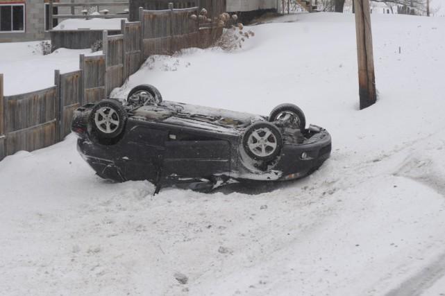 Comme à bien d'autres endroits au Québec, les conditions routières ont été... (Sylvain Mayer)