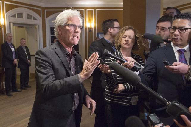 Le ministre fédéral des Ressources naturelles, Jim Carr,... (La Presse Canadienne, Andrew Vaughan)