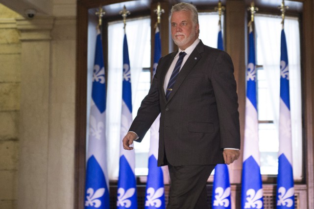 Le premier ministrePhilippe Couillard a présenté de nouveau... (La Presse Canadienne, Jacques Boissinot)