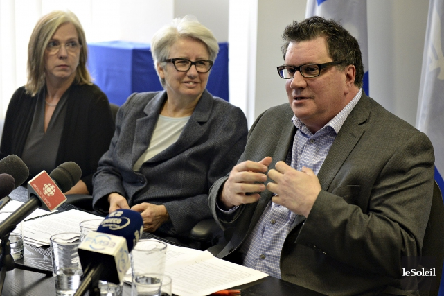 En conférence de presse dans les bureaux d'Agnès... (Le Soleil, Patrice Laroche)