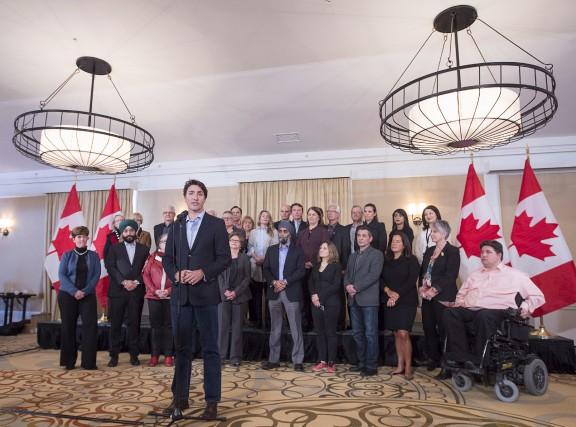 En dépit d'un dollar canadien qui bat de l'aile et du prix du pétrole en chute... (La Presse Canadienne)