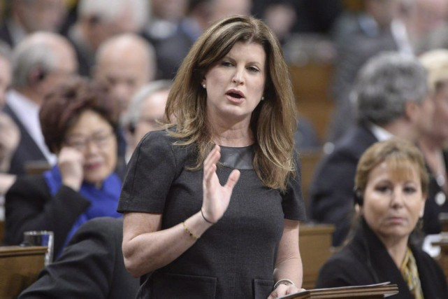 La chef par intérim Rona Ambrose.... (PHOTO ADRIAN WYLD, ARCHIVES LA PRESSE CANADIENNE)